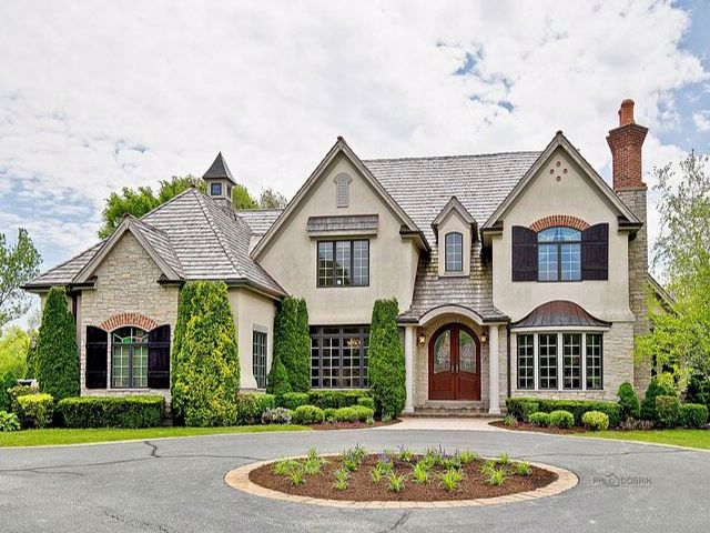 5 BR,  4.55 BTH  Traditional style home in South Barrington