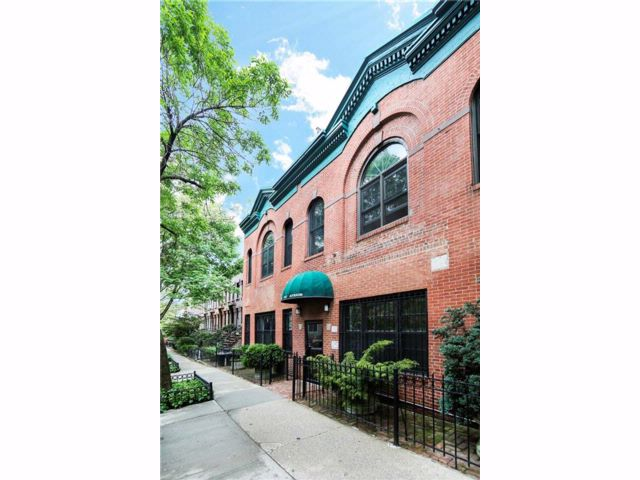 1 BR,  2.00 BTH Co-op style home in Park Slope