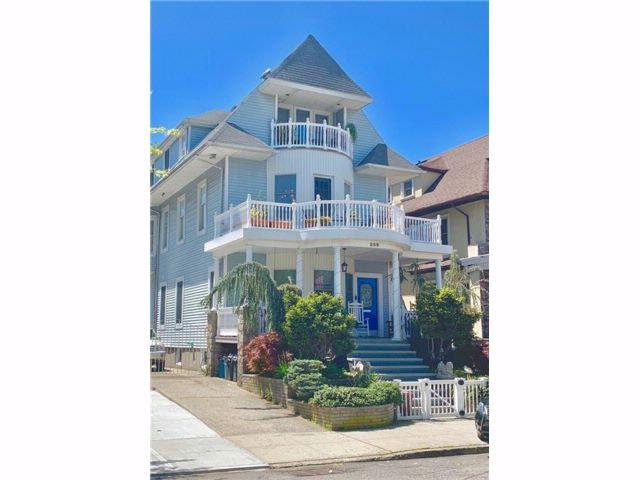 6 BR,  4.00 BTH Multi-family style home in Bay Ridge