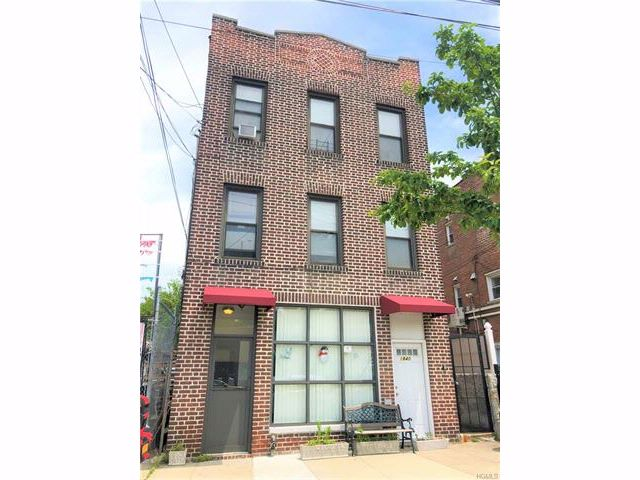 8 BR,  4.50 BTH  Other style home in Parkchester