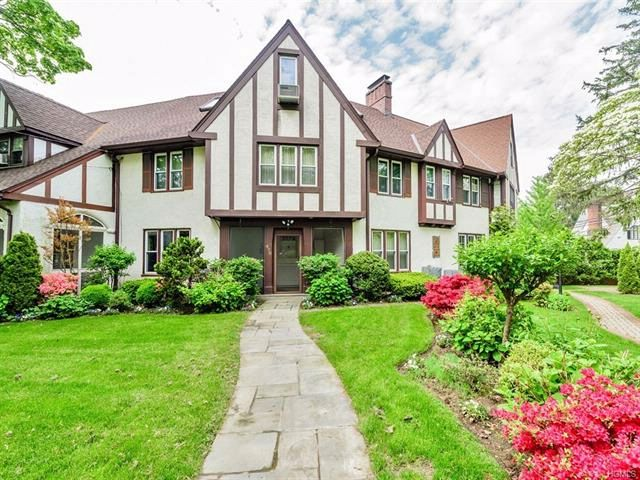 [Pelham Real Estate, listing number 6896353]