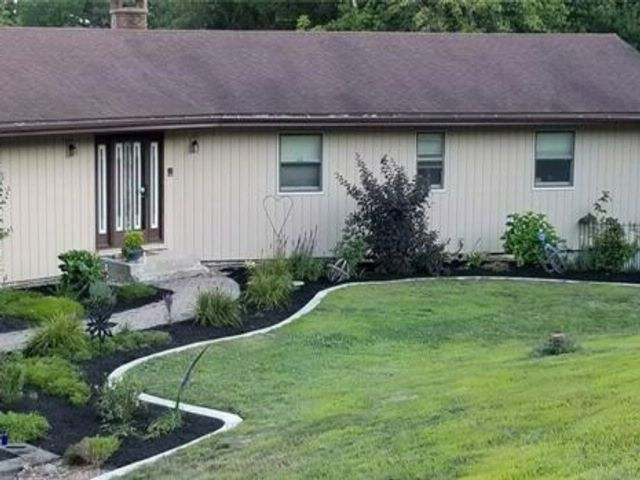 4 BR,  3.50 BTH Other style home in Bloomingburg
