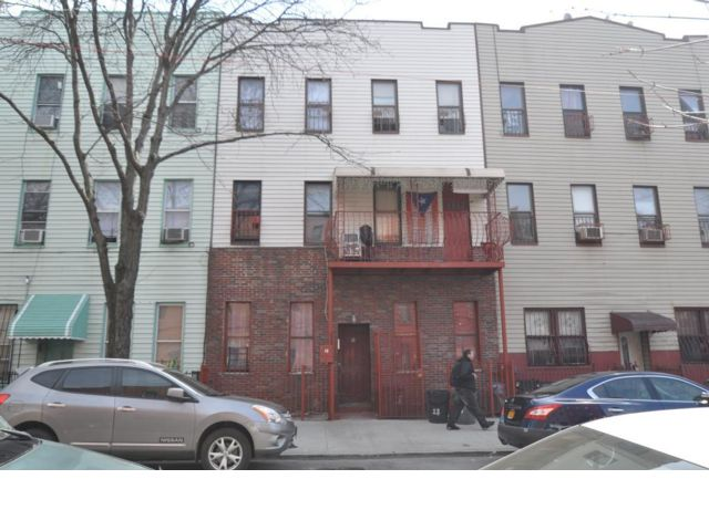 12 BR,  6.00 BTH   style home in Bushwick