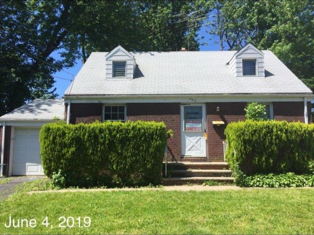 2 BR,  1.00 BTH  Cape style home in Roselle