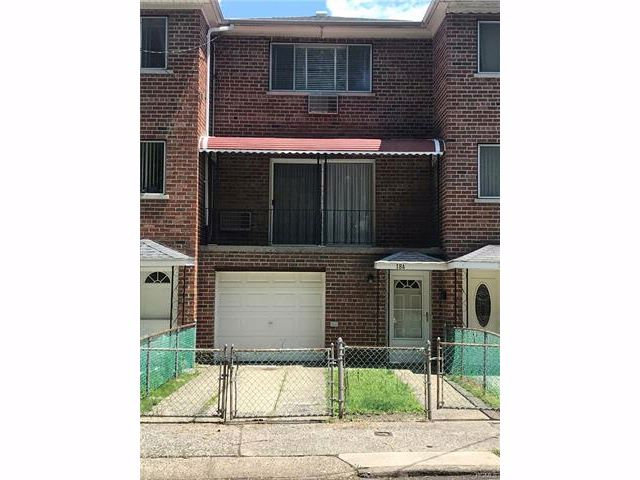 3 BR,  1.55 BTH  Trilevel style home in Throggs Neck