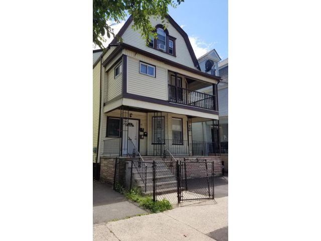 7 BR,  3.00 BTH Triplex style home in East Orange