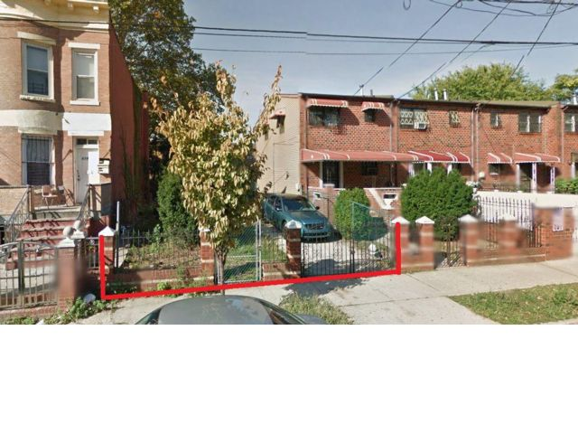 Lot <b>Size:</b> 2724   Land style home in East New York