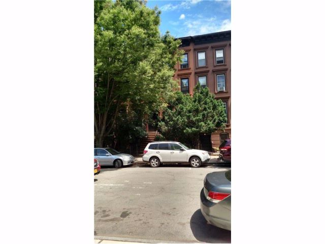 4 BR,  0.00 BTH  Multi-family style home in Park Slope