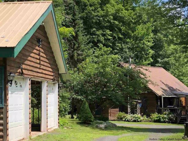 3 BR,  2.00 BTH Chalet style home in Chichester