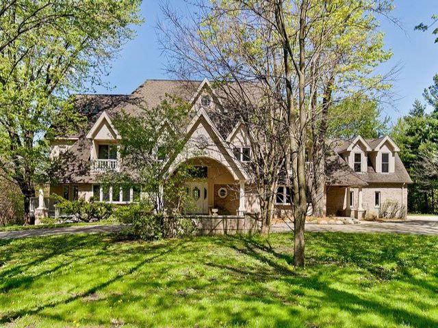 6 BR,  9.00 BTH  House style home in South Barrington