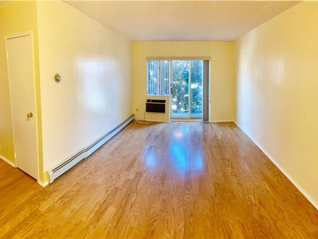 1 BR,  1.00 BTH  Co-op style home in Bay Ridge
