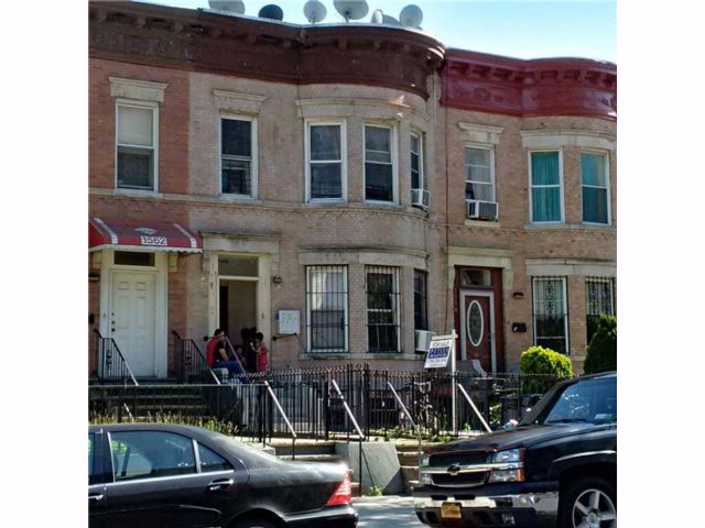 7 BR,  0.00 BTH Multi-family style home in Crown Heights