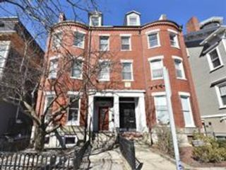 1 BR,  1.50 BTH Townhouse style home in Boston