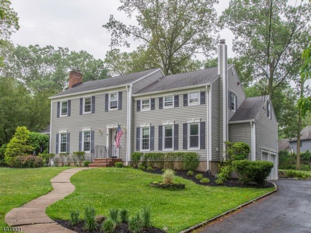 5 BR,  2.50 BTH  Colonial style home in North Caldwell
