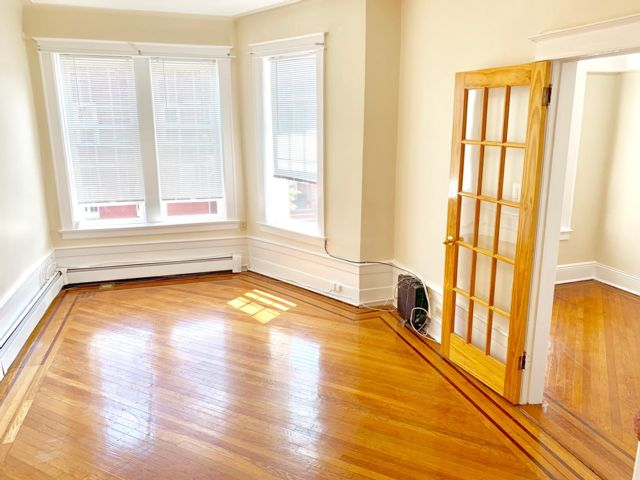 1 BR,  1.00 BTH  Rental style home in Bay Ridge