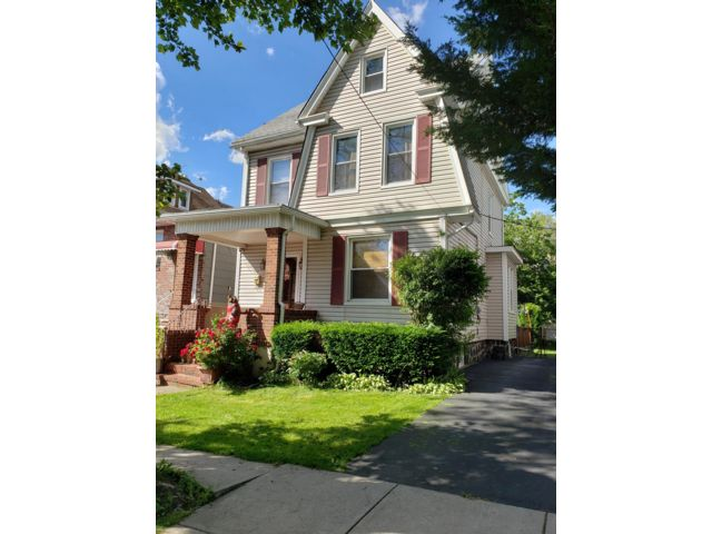 4 BR,  1.50 BTH Colonial style home in North Bergen