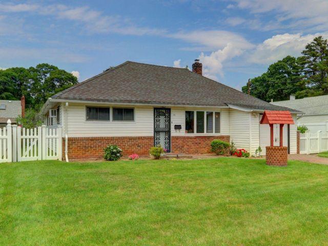 [Massapequa Real Estate, listing number 6901804]
