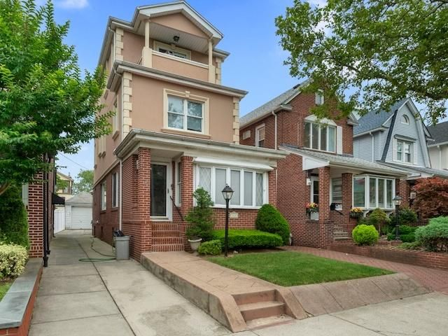 4 BR,  2.50 BTH  Colonial style home in Bay Ridge
