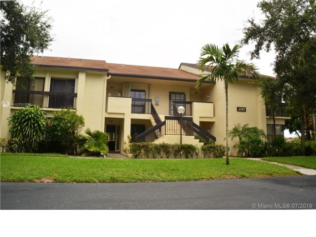 2 BR,  2.00 BTH  Apartment style home in Deerfield Beach