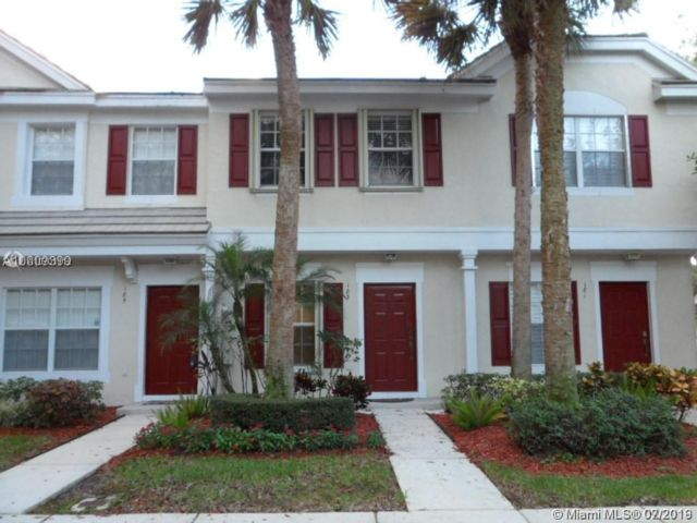 2 BR,  2.50 BTH  Townhouse style home in Plantation
