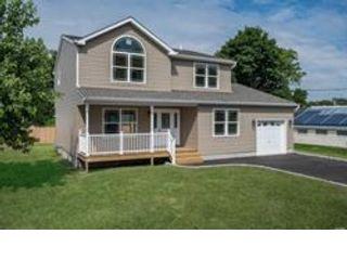 [Lindenhurst Real Estate, listing number 6902227]
