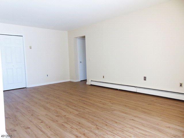 [Belleville Real Estate, listing number 6902257]