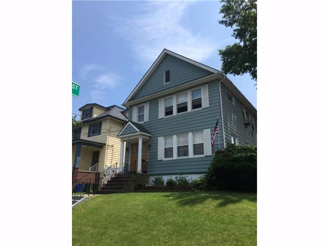 Studio,  0.00 BTH  Multi-family style home in Westerleigh