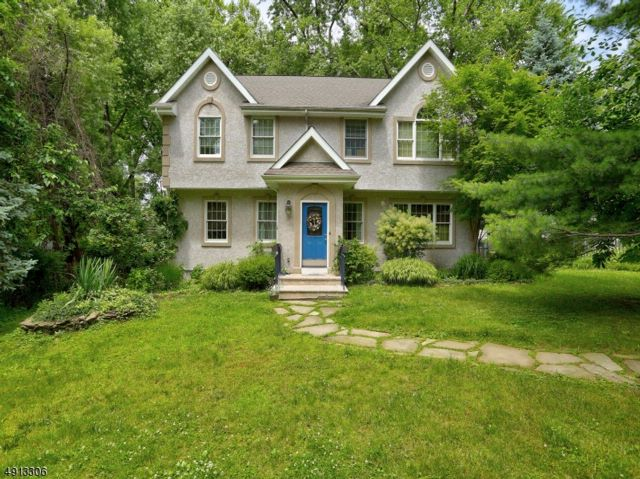 3 BR,  2.50 BTH  Colonial style home in North Caldwell