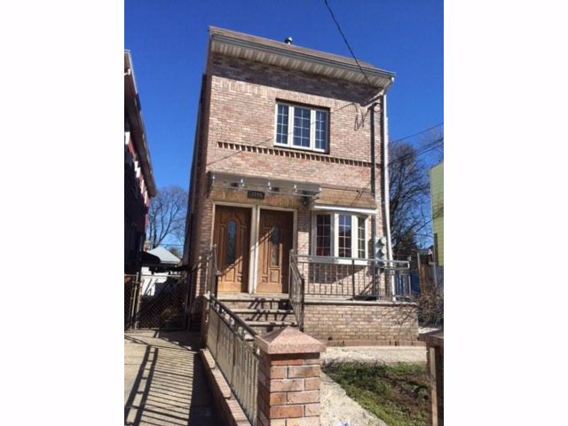 3 BR,  3.00 BTH  Multi-family style home in East Flatbush
