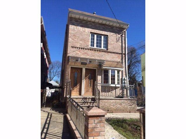 3 BR,  3.00 BTH Multi-family style home in East Flatbush