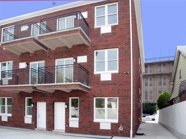 [Bensonhurst Real Estate, listing number 6902849]