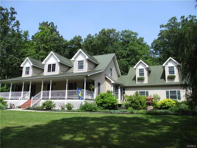 3 BR,  2.50 BTH  Capecod style home in Port Jervis