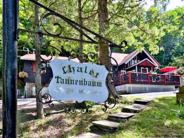 4 BR,  2.00 BTH  Chalet style home in Big Indian