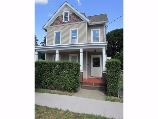 4 BR,  2.00 BTH  Colonial style home in Newburgh