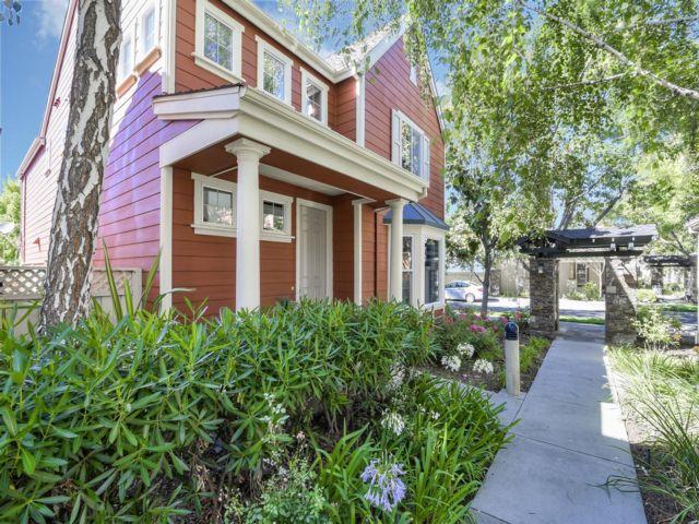 4 BR,  3.50 BTH 2 story style home in Santa Clara