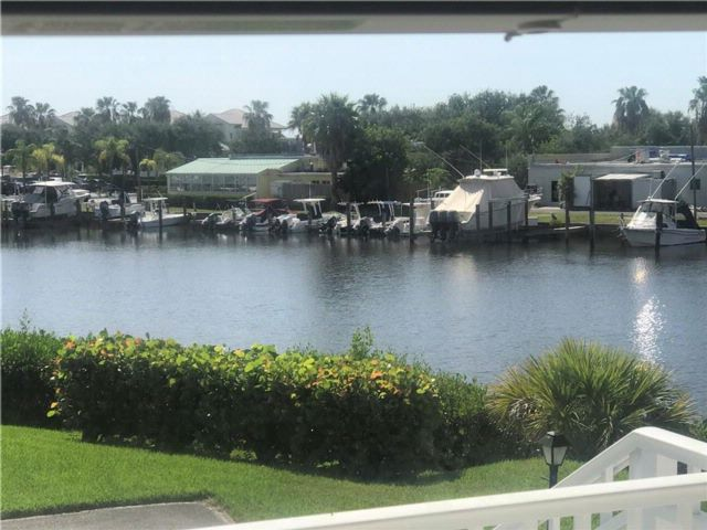 [Vero Beach Real Estate, listing number 6904164]