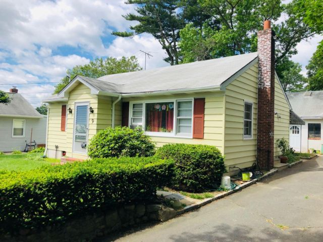 [Glen Cove Real Estate, listing number 6904332]