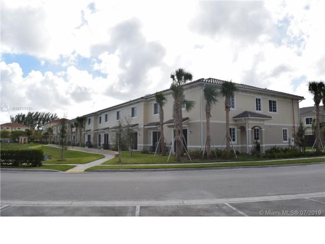 3 BR,  2.50 BTH  Apartment style home in Miramar