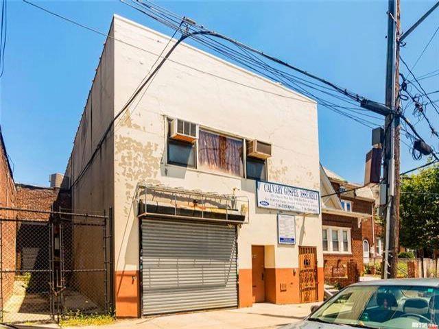 Studio,  0.00 BTH Commercial style home in Esplanade