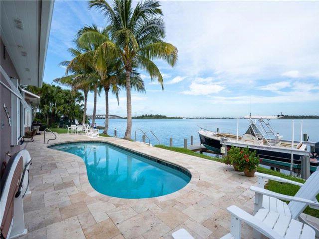 [Vero Beach Real Estate, listing number 6905679]