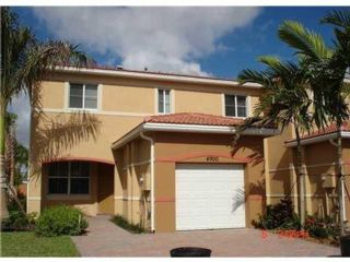 3 BR,  2.50 BTH Townhouse style home in Fort Lauderdale