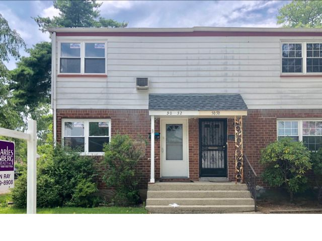 2 BR,  1.50 BTH  Colonial style home in Bayside