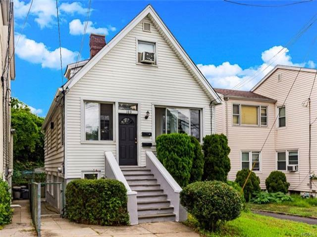 4 BR,  2.00 BTH Capecod style home in Yonkers