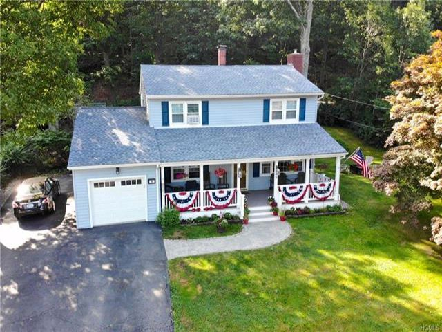 4 BR,  1.50 BTH Colonial style home in Highland Mills