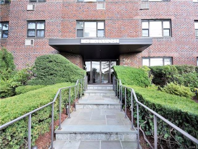 2 BR,  2.00 BTH Mid rise style home in New Rochelle