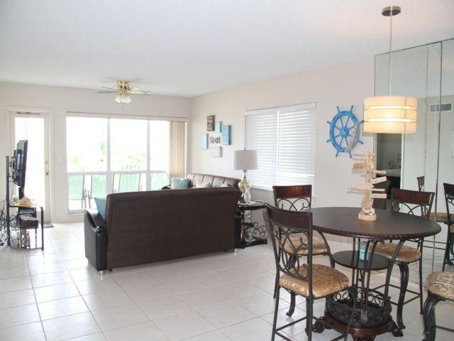 2 BR,  2.00 BTH Apartment style home in Pompano Beach