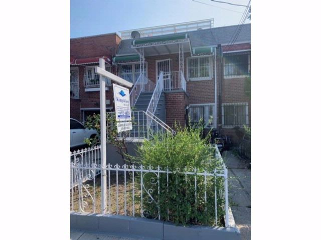 Studio,  2.00 BTH  Multi-family style home in Brownsville