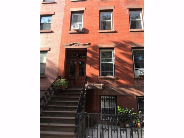 4 BR,  4.00 BTH  Multi-family style home in Carroll Gardens