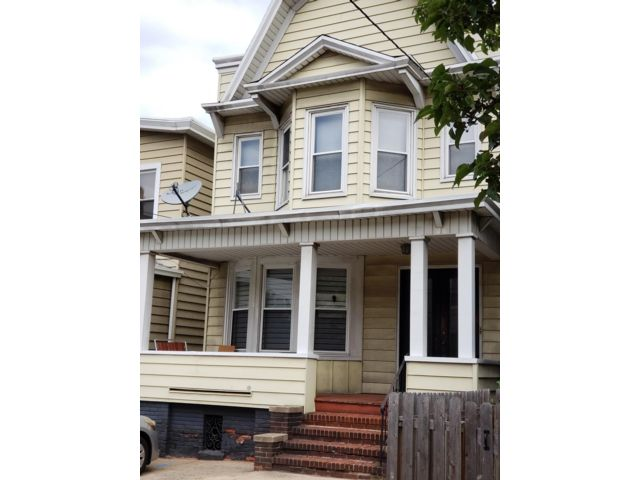 5 BR,  2.00 BTH 2 story style home in Jersey City