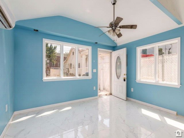 1 BR,  1.00 BTH Single family style home in Arrochar